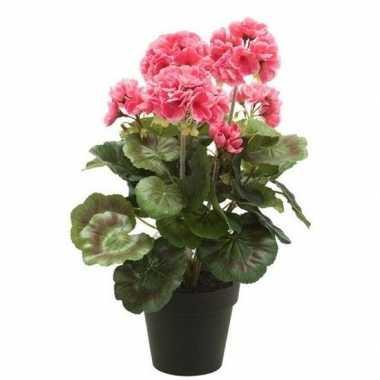 Nep geranium plant roze in zwarte pot kunstplant