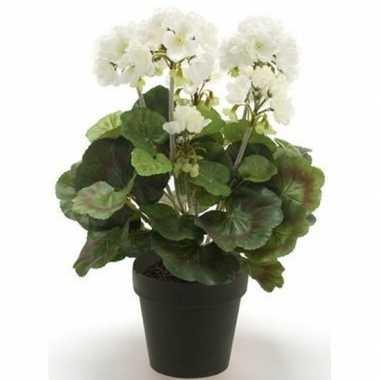 Geboorte nep geranium plant wit in zwarte pot kunstplant